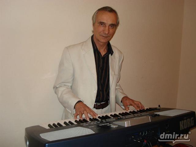 Автор-Композитор Борис Краюшкин.